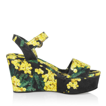 Dolce & Gabbana Sandals with floral pattern