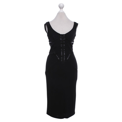 Karen Millen Form-fitting dress in black