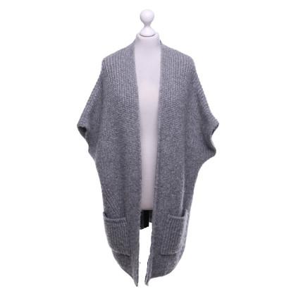 Closed Cardigan in grey