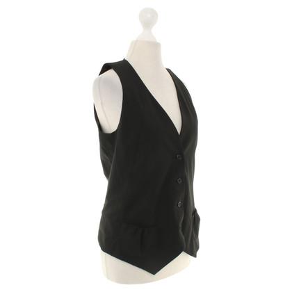 Sandro Vest in black