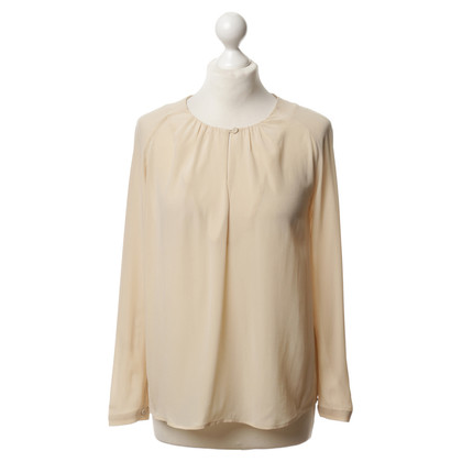 Closed Cream-coloured tunic