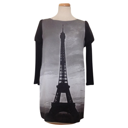 Moschino Cheap and Chic Condite con motivo a Torre Eiffel