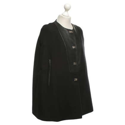 Sandro Cape in black