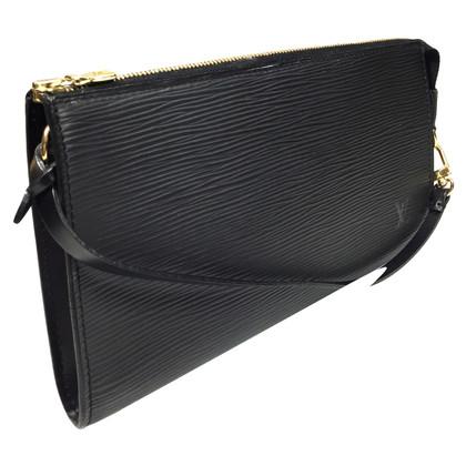 "Louis Vuitton ""Pochette Accessoires Epi leder"" in zwart"