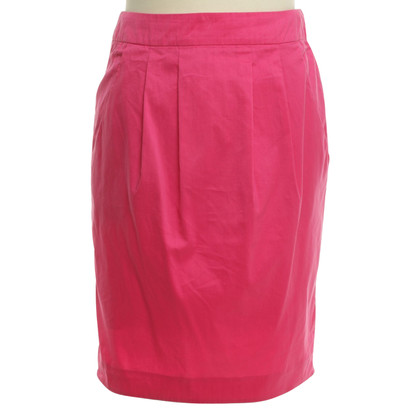 Hugo Boss skirt in Pink