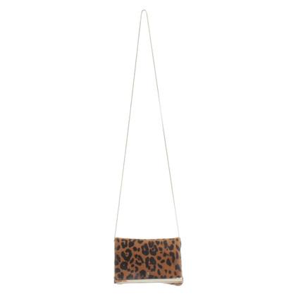 Carolina Herrera Schoudertas met leopard patroon