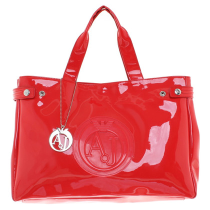Armani Shoppers in red