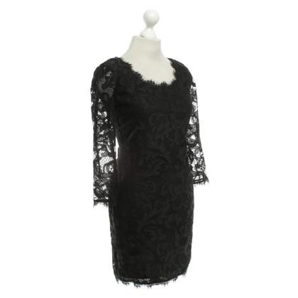 """Diane von Furstenberg Kanten jurk """"Zarita Scoop"""" in zwart"""