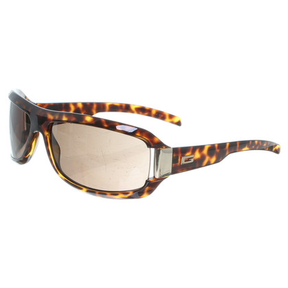 Gucci Sunglasses in tortoise shell pattern