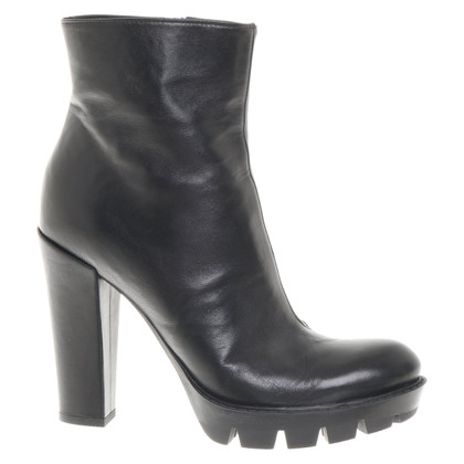 Dorothee Schumacher Ankle boots in black