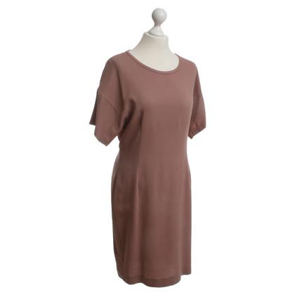 Set Dress in dark dusky pink