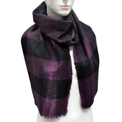 Burberry Wool scarf with silk