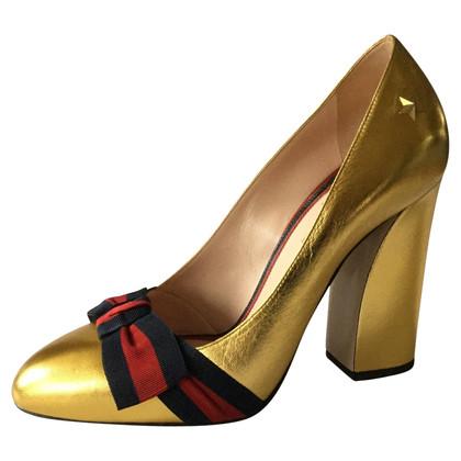 Gucci Pumps in Gold