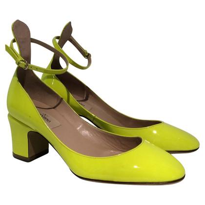 Valentino pumps di pelle verniciata in giallo