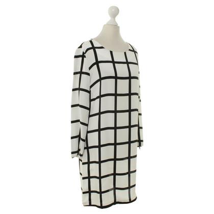 Closed zijden jurk patroon