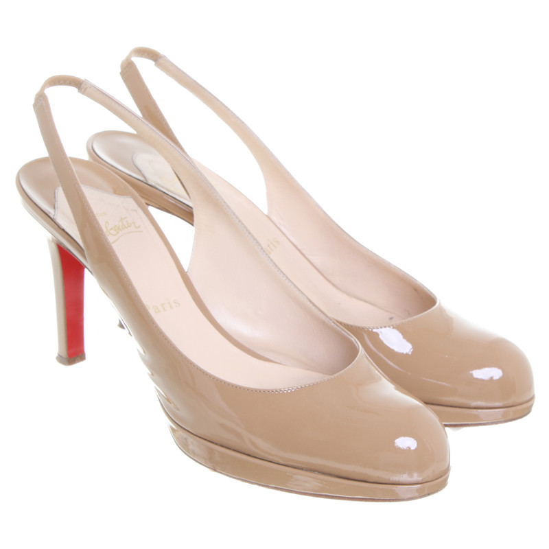 Christian Louboutin Patent leather Pumps in beige