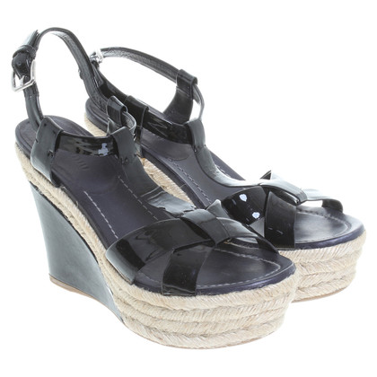 Miu Miu Wedges in Schwarz