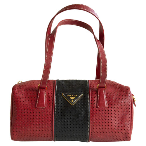 cc9365fa6ebe Prada Handbag in red / black - Second Hand Prada Handbag in red ...