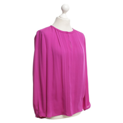 Diane von Furstenberg top made of silk
