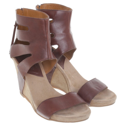 Navyboot Sandals in brown