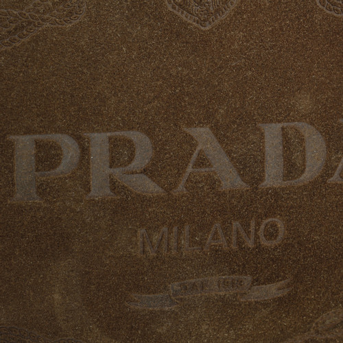 8cca8a404adf Prada Logo embossed handbag - Second Hand Prada Logo embossed ...