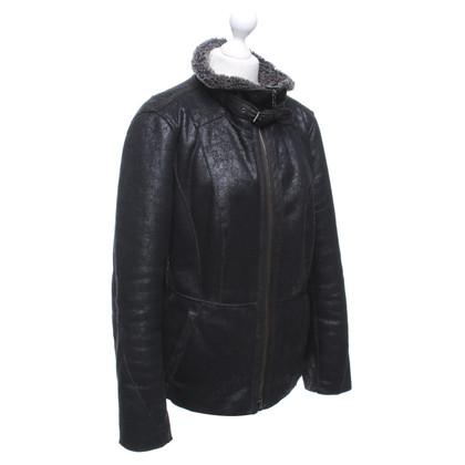 Marc Cain Lederen jas met nepbont gevoerde