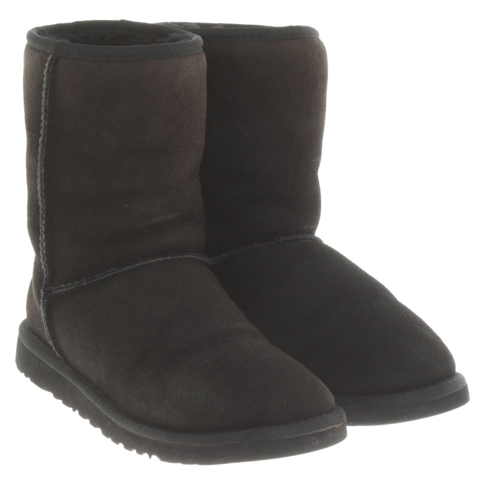 UGG Australia Boots in Schwarz