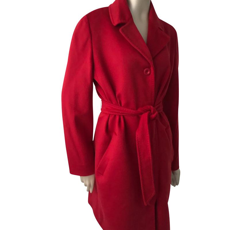 Roter mantel gebraucht