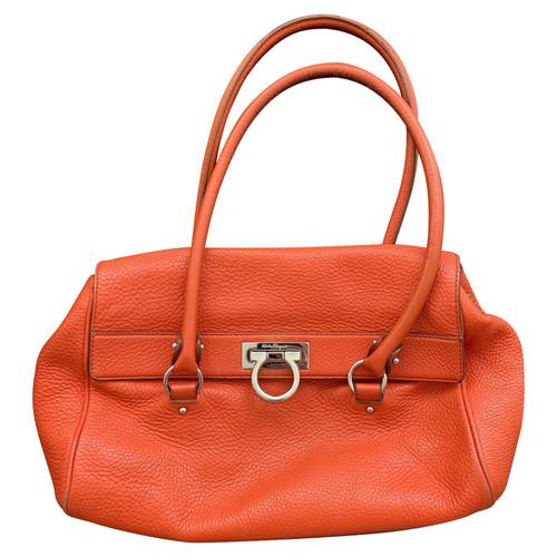 425fa53ec25f Salvatore Ferragamo Handbag Leather in Orange - Second Hand ...