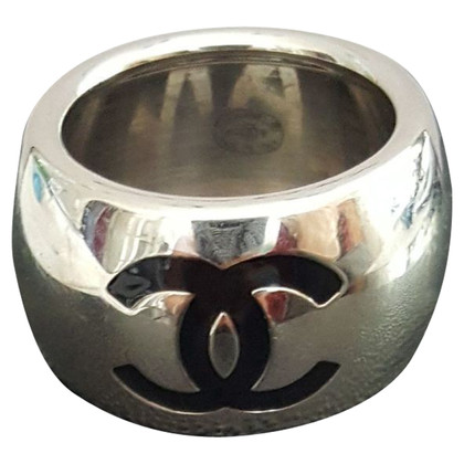 Chanel Ring mit Logo