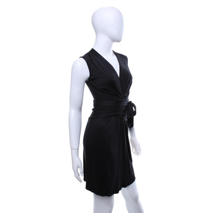 Issa zijden jurk in zwart