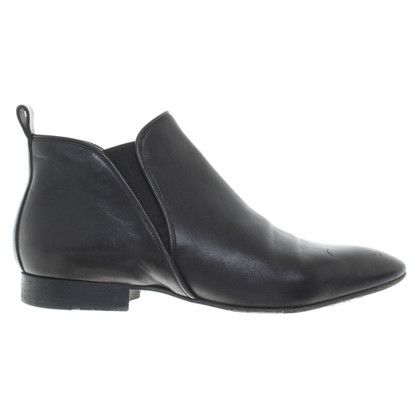 Chloé Chelsea boots in black