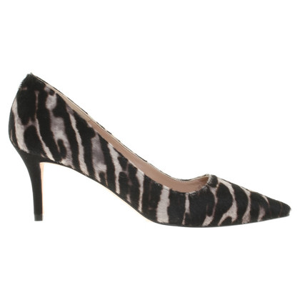 Pura Lopez pumps with animal pattern