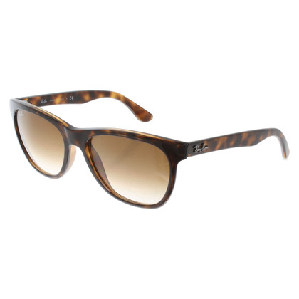 Ray Ban Sunglasses with pattern