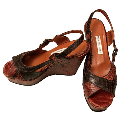 L'autre Chose Red python wedges
