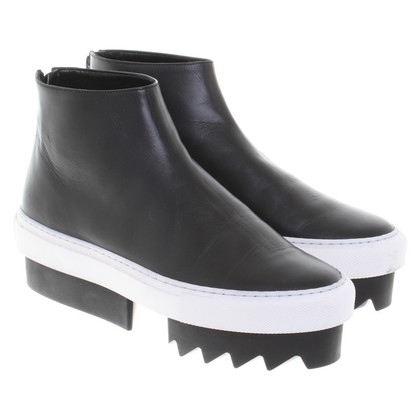 Givenchy Ankle boots in black / white