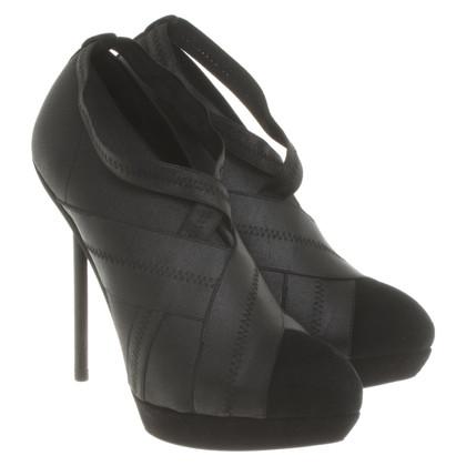Yves Saint Laurent pumps en noir