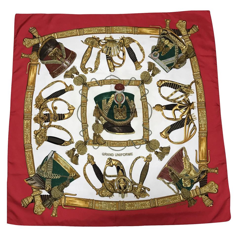 herm s foulards hermes acheter herm s foulards hermes second hand d 39 occasion pour 300 00. Black Bedroom Furniture Sets. Home Design Ideas