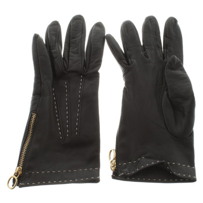 Burberry Leather gloves in black