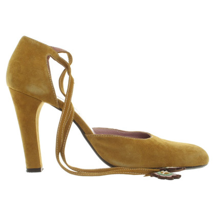 Marni pumps in mosterdgeel