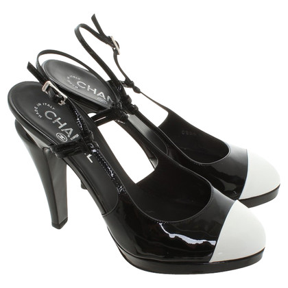 Chanel pumps in zwart / White