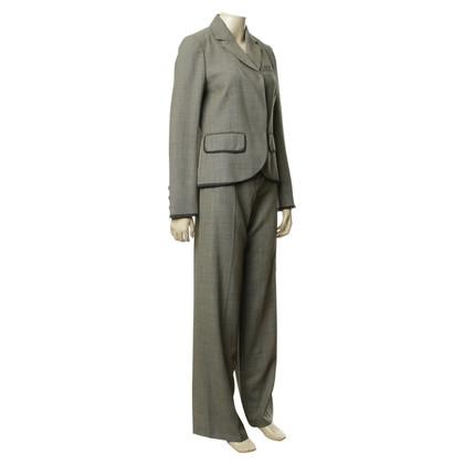 Kenzo Pants suit in the salt n' pepper style