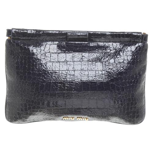af93a069fa7c Miu Miu Clutch Bag Patent leather in Blue - Second Hand Miu Miu ...