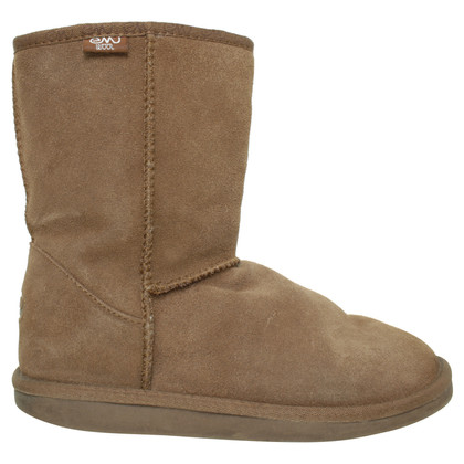 Emu Australia Boots with Sheepskin lining