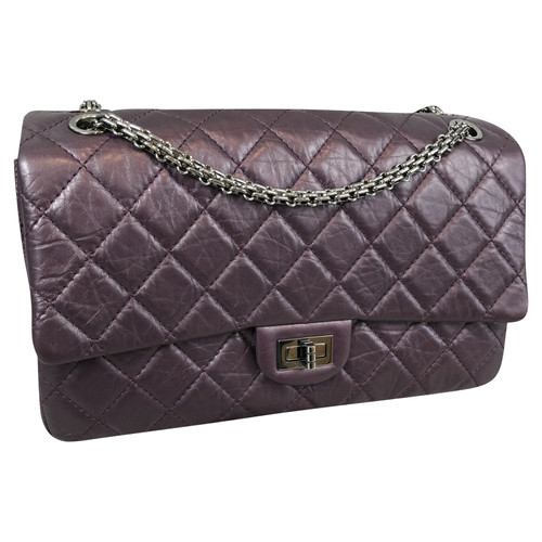 28ffbd1a7f48 Chanel Reissue 2.55 225 Leather in Violet - Second Hand Chanel ...