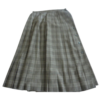Aquascutum pleated skirt