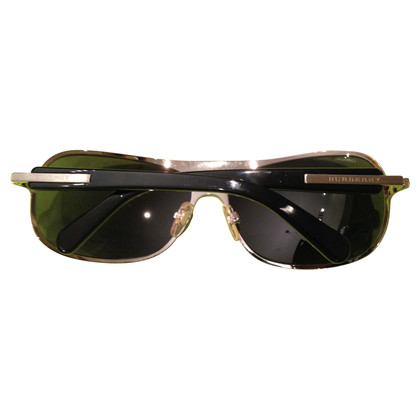 Burberry Sunglasses made of metal