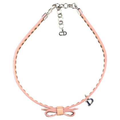 Christian Dior La collana girocollo-stile