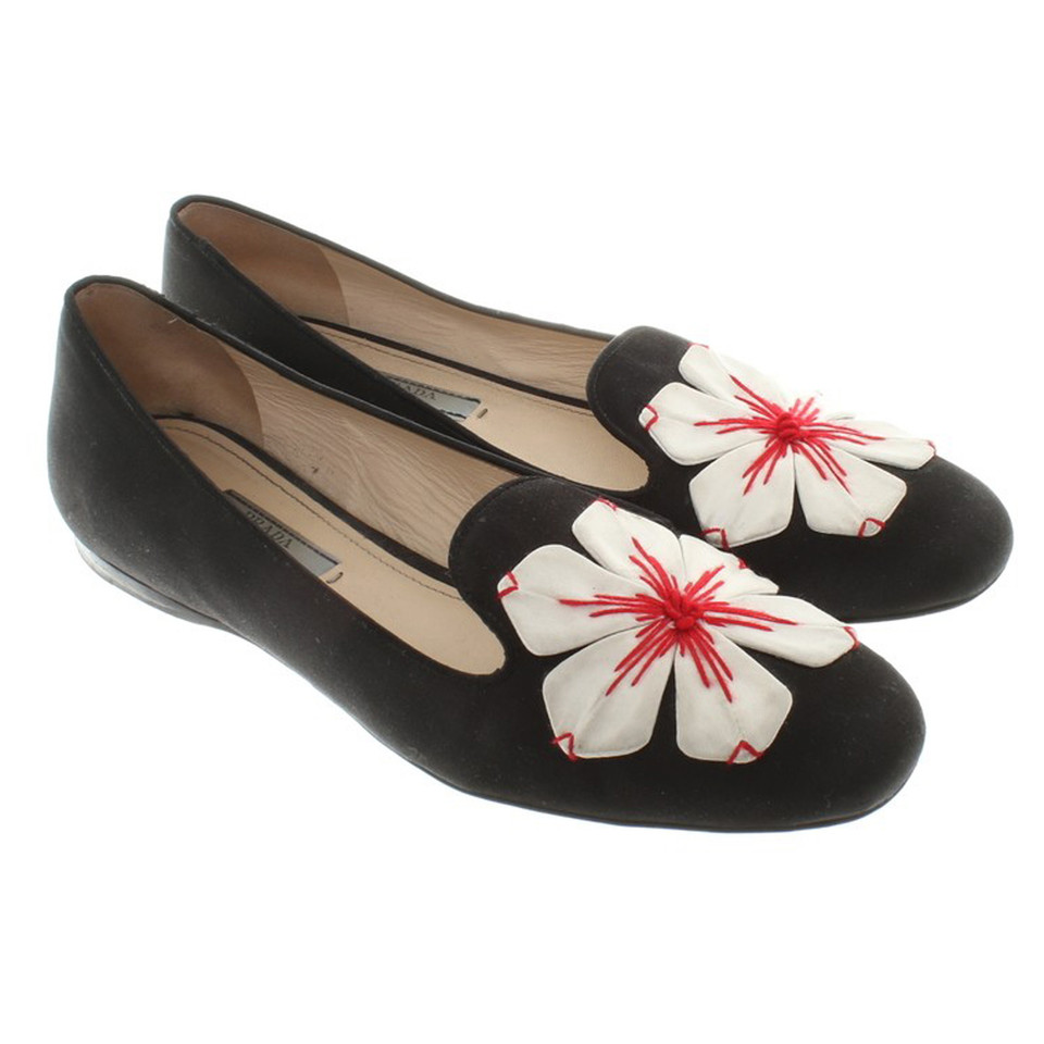 prada loafers with flowers buy second hand prada loafers with flowers for. Black Bedroom Furniture Sets. Home Design Ideas