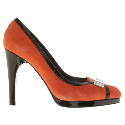 Karen Millen pumps in orange